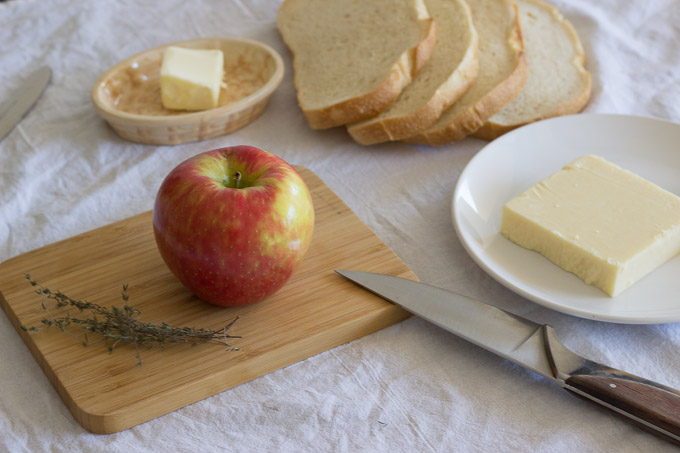 Apple and Cheddar Grilled Cheese-2