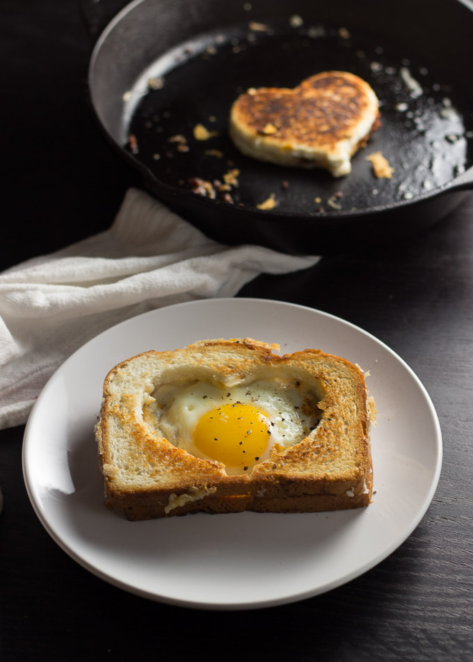 Egg in a Grilled Cheese Basket-1