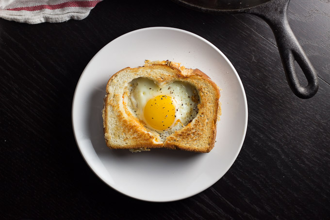 Egg in a Grilled Cheese Basket-4