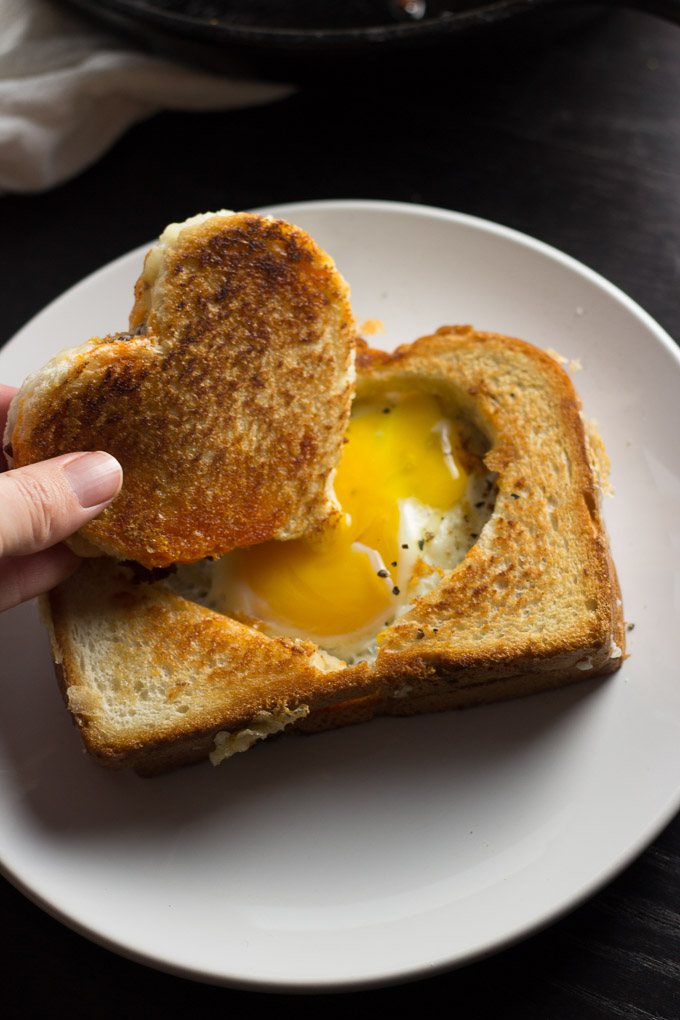 Egg in a Grilled Cheese Basket-5