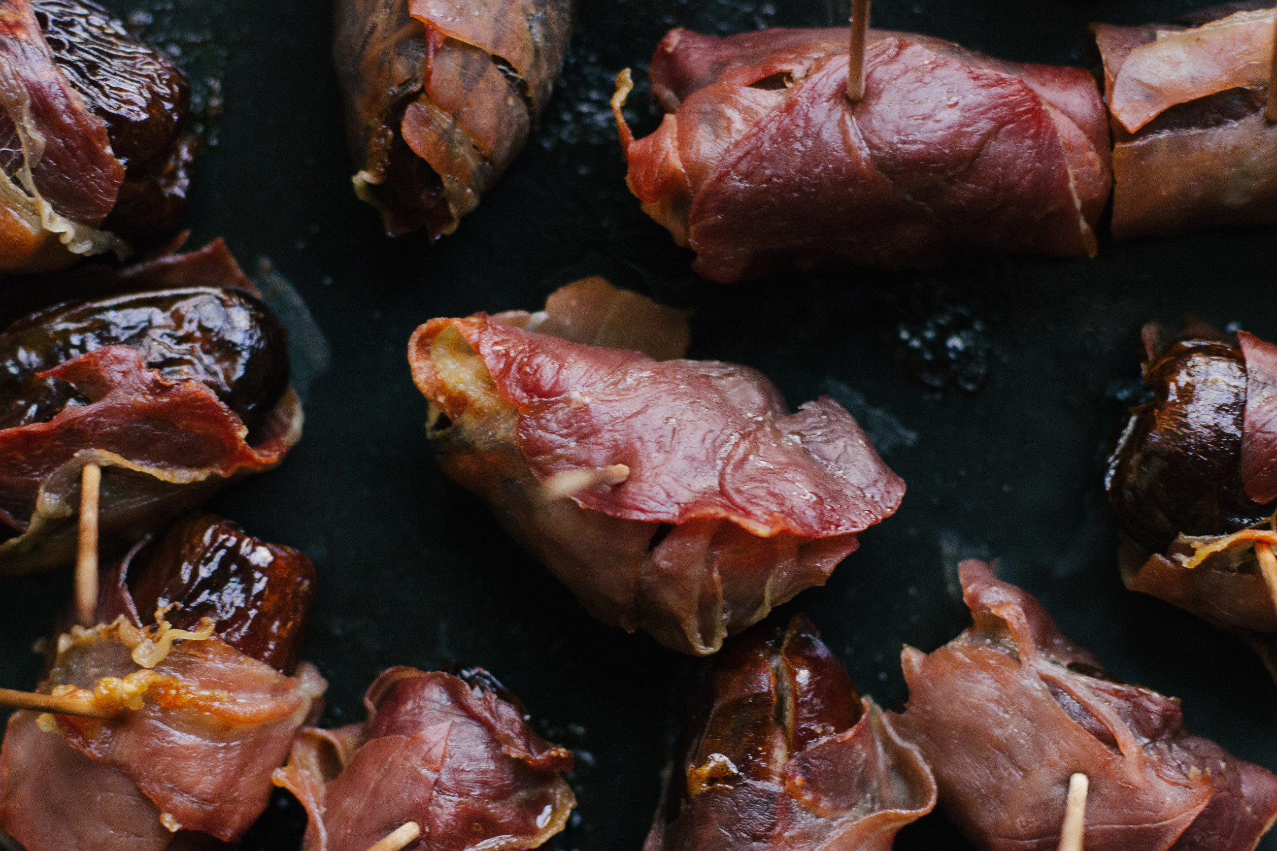 prosciutto-wrapped-pecan-stuffed-dates-1